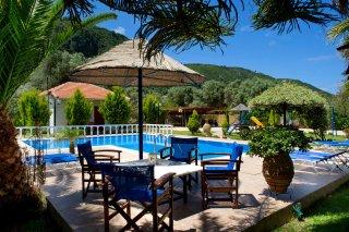 villa-dimitris-garden